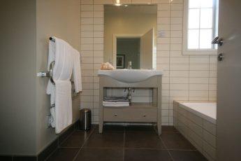 mainbathroom